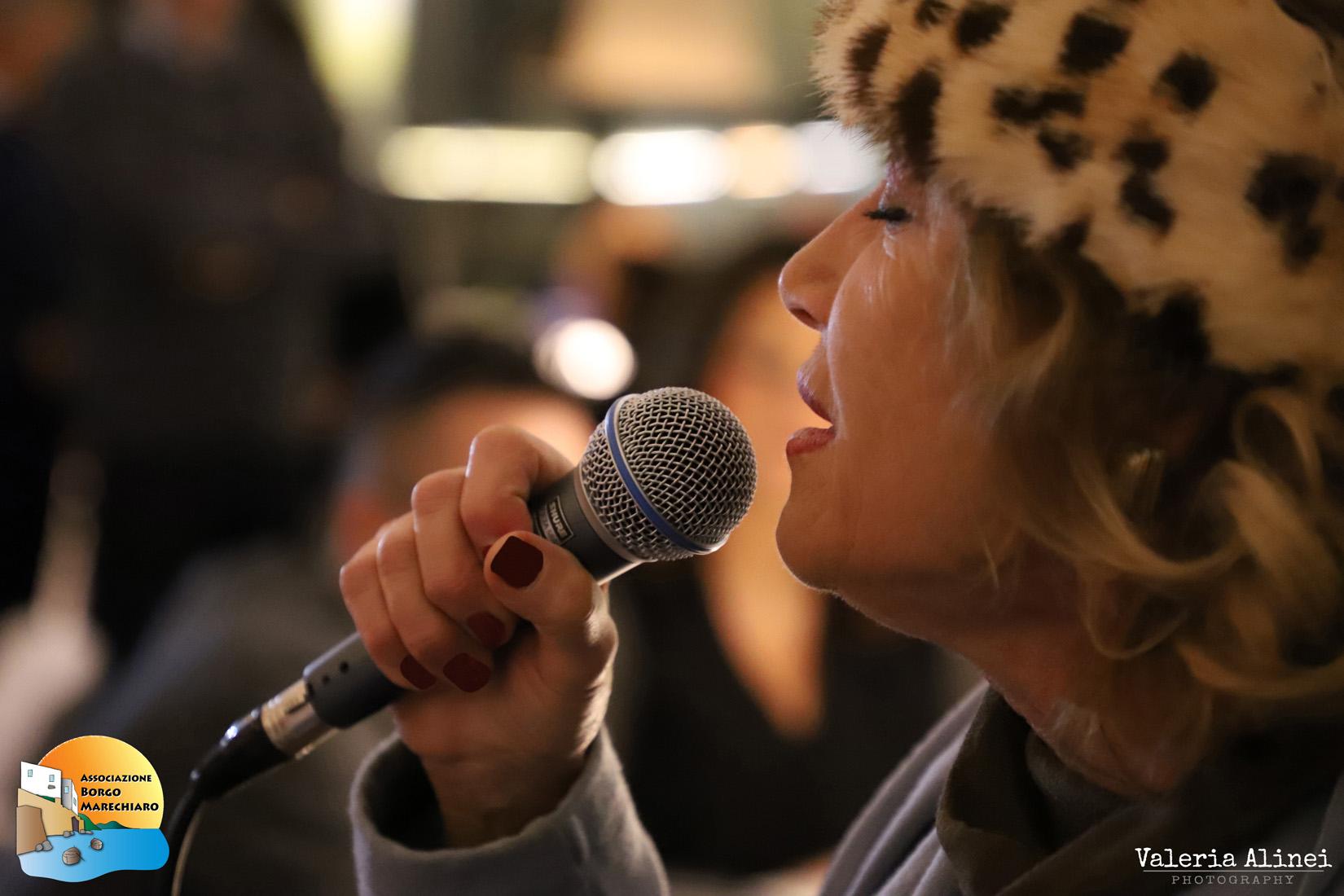 Mirna Doris, cantante napoletana, Portrait